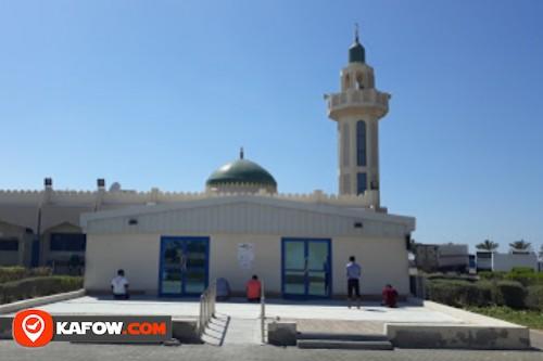 Market activity Mosque No. 304
