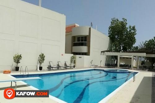 Al Shirawi 16 villas compound